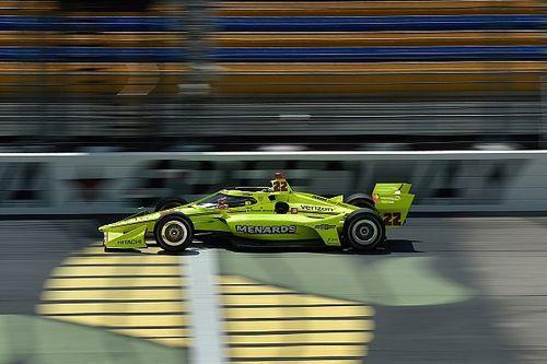 アイオワ・レース1:パジェノーが最後尾から大逆転! 佐藤琢磨は一時首位快走も10位