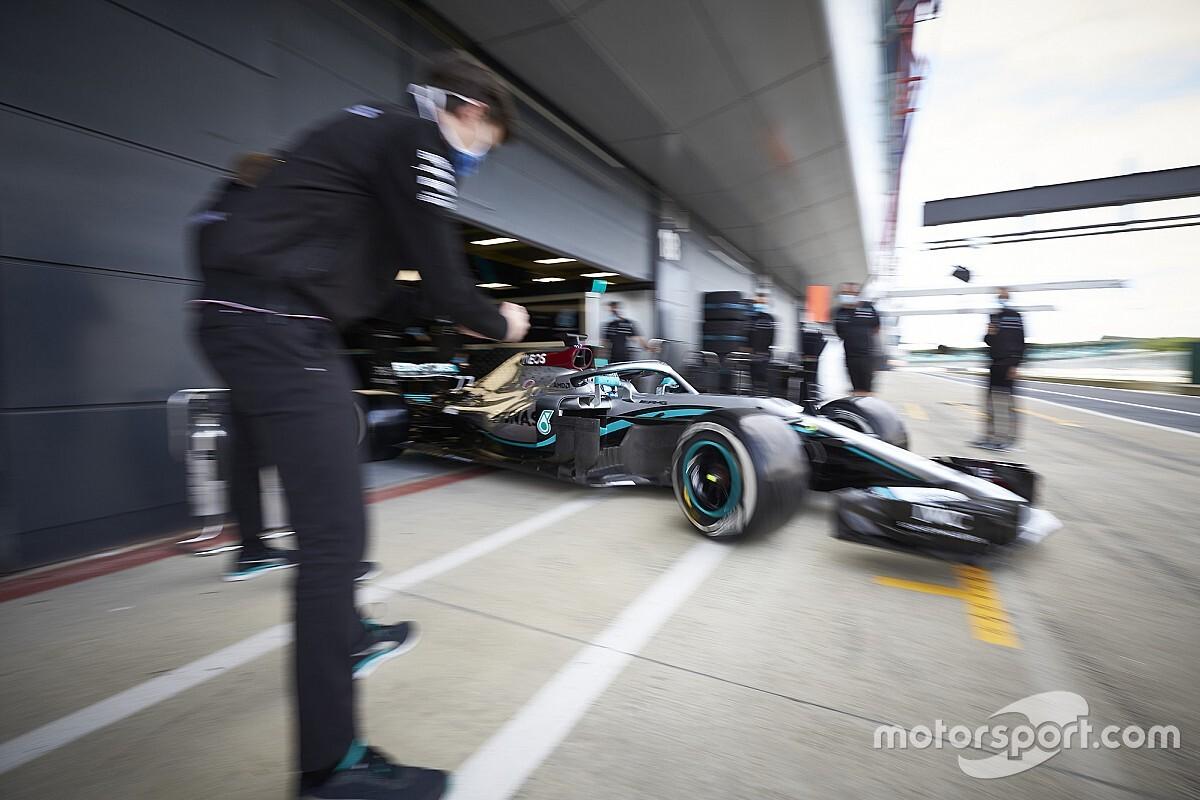 Hamilton ma F1-es autóval, Leclerc gokarttal tesztel
