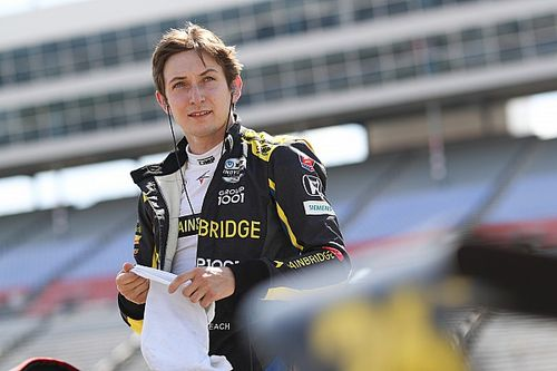 Veach stars on tough night for Andretti Autosport in Texas