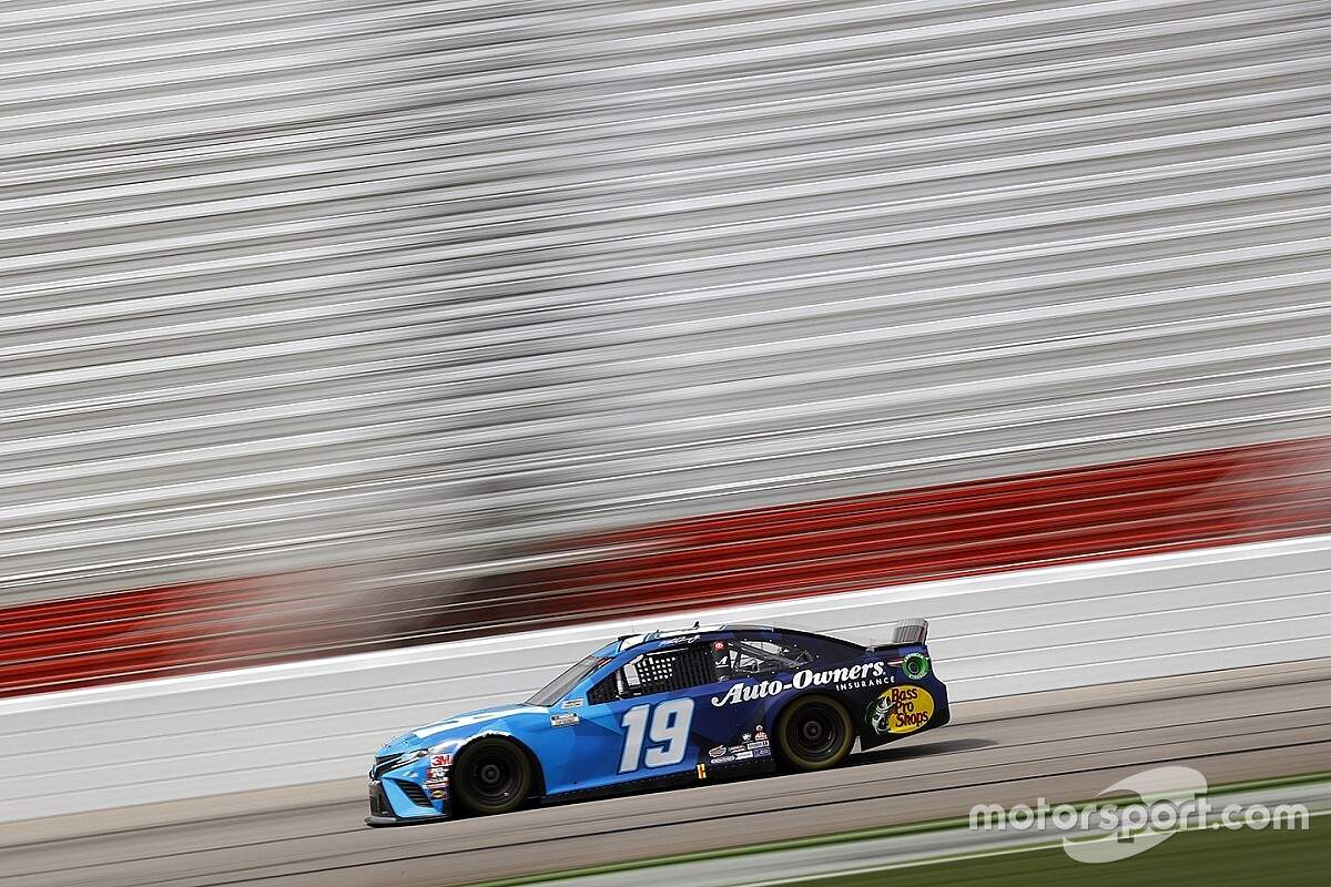 "Truex comes up short at Atlanta but is ""knocking on the door"""