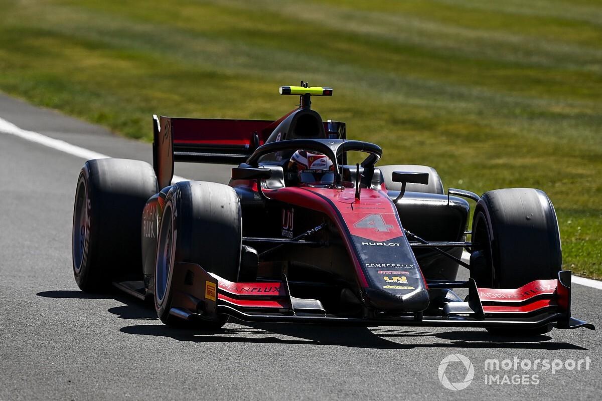 Silverstone F2: Ilott, victoria y liderato; Campos sube al podio