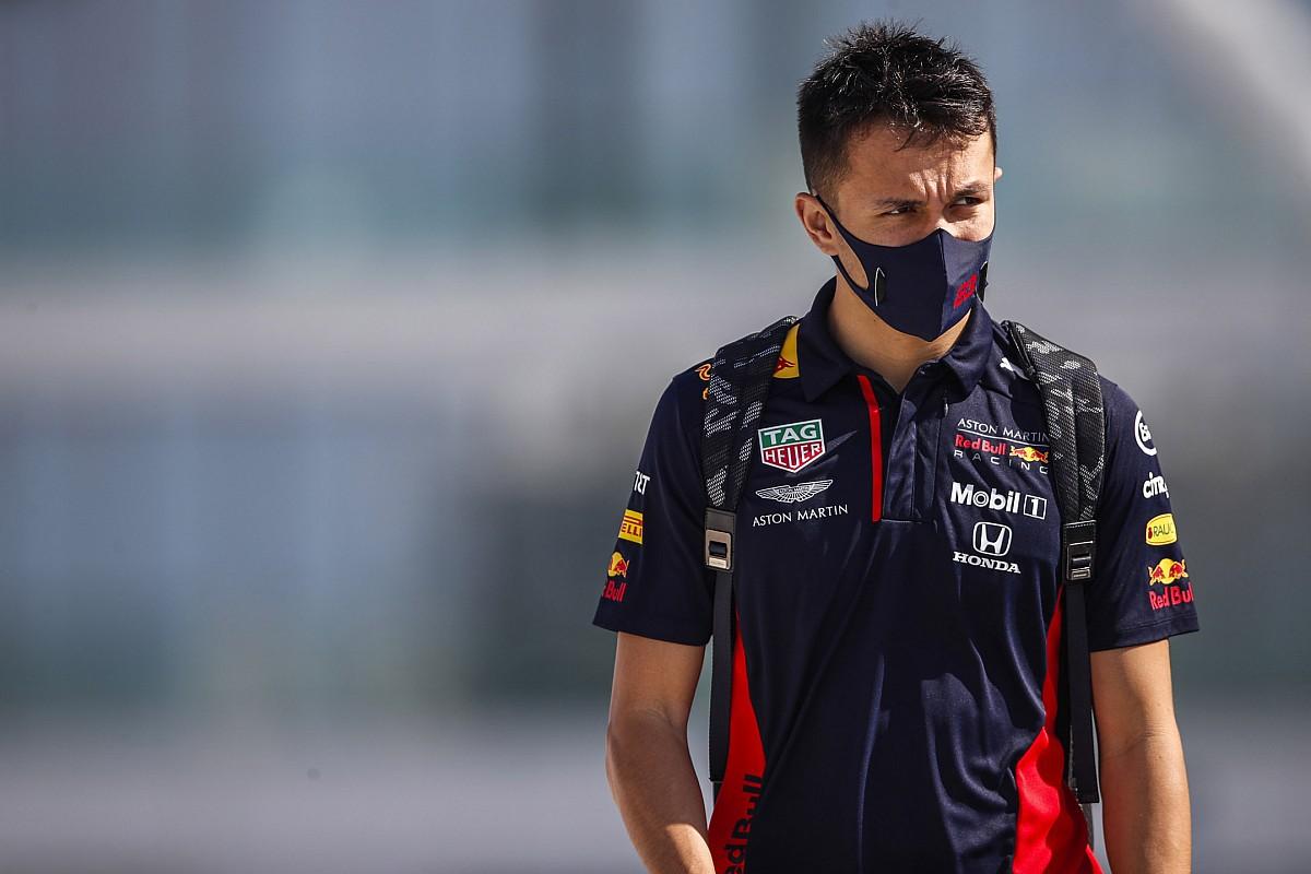 """Com Pérez no radar, Marko afirma que futuro de Albon na Red Bull será anunciado """"antes do Natal"""""""