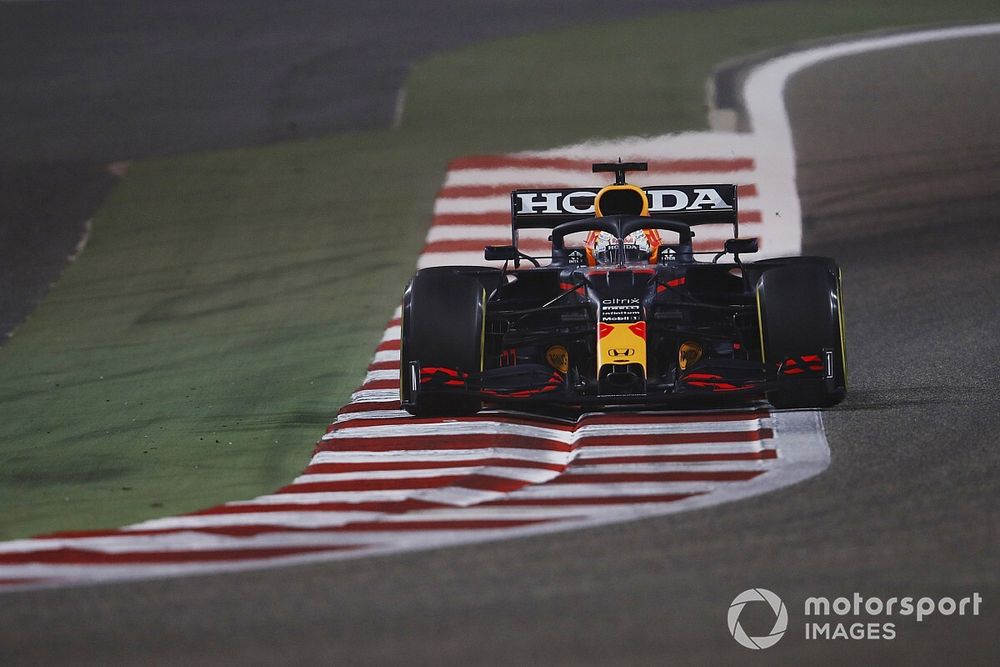 Verstappen doesn't see himself as 2021 F1 title favourite