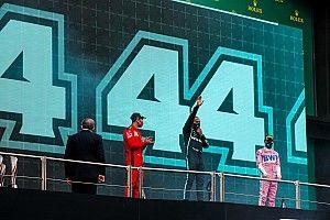 Hamilton neden 1 numara ile yarışmıyor?