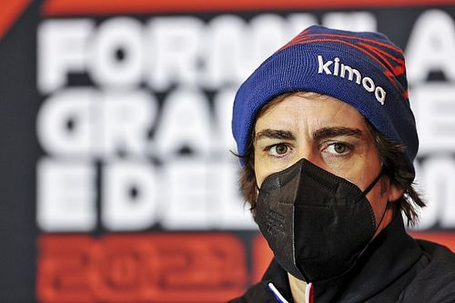 """Alonso: """"Heb zelf meer progressie te boeken dan de auto"""""""