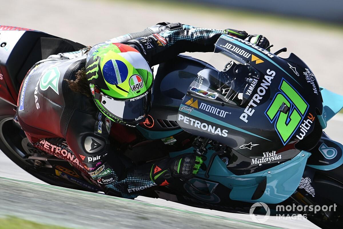 Morbidelli pakt eerste MotoGP-pole in Barcelona, Rossi derde