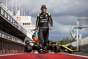 """アロンソ、久々F1ドライブで""""マシンに圧倒""""される「鍛え直す必要があるね!」"""