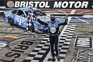 Kevin Harvick derrotó a Kyle Busch en Bristol