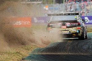 Townsville Supercars: Reynolds pips Mostert to pole
