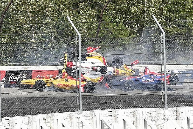IndyCar Pocono: Power wint na hevige startcrash en onweersbui