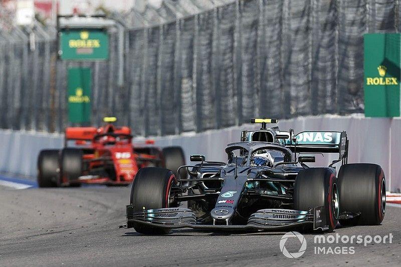 Mercedes legt uit hoe Bottas de snellere Leclerc kon afstoppen
