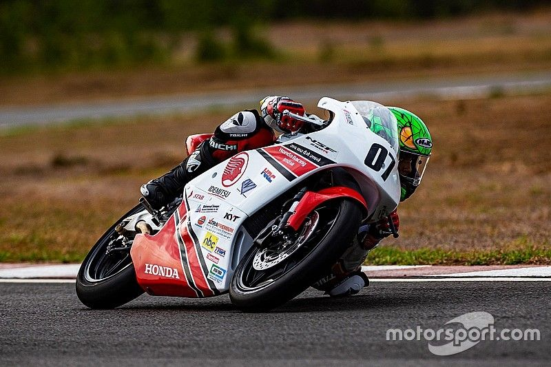 Honda NSF 250: Mikail wins historic first race for Moto3 bikes