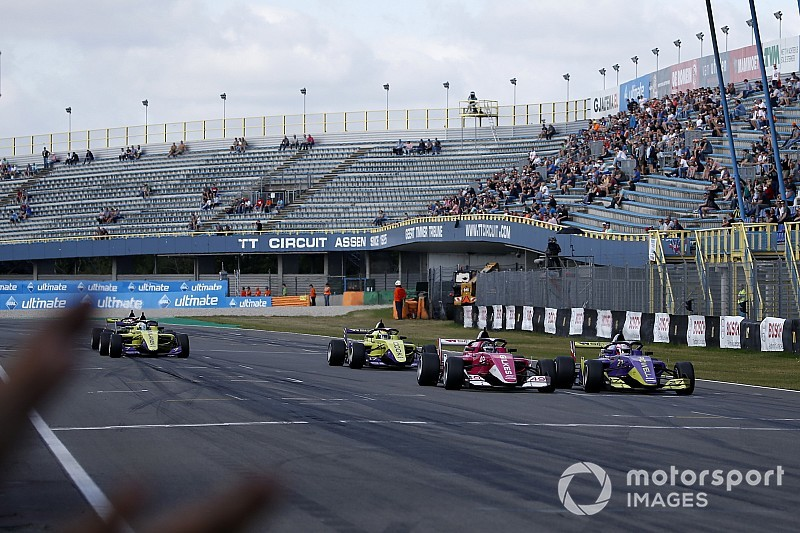 Assen W Series: Gilkes wins reverse-grid race by 0.003s
