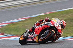 Brno MotoGP: Marquez tops wet FP3, Guintoli shines
