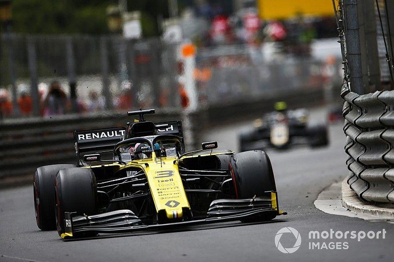 """Ricciardo, frustrado con Renault: """"¿Cómo no pueden ver cosas que yo sí veo?"""""""