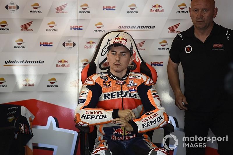 Лоренсо признал вину в аварии в начале Гран При Каталонии