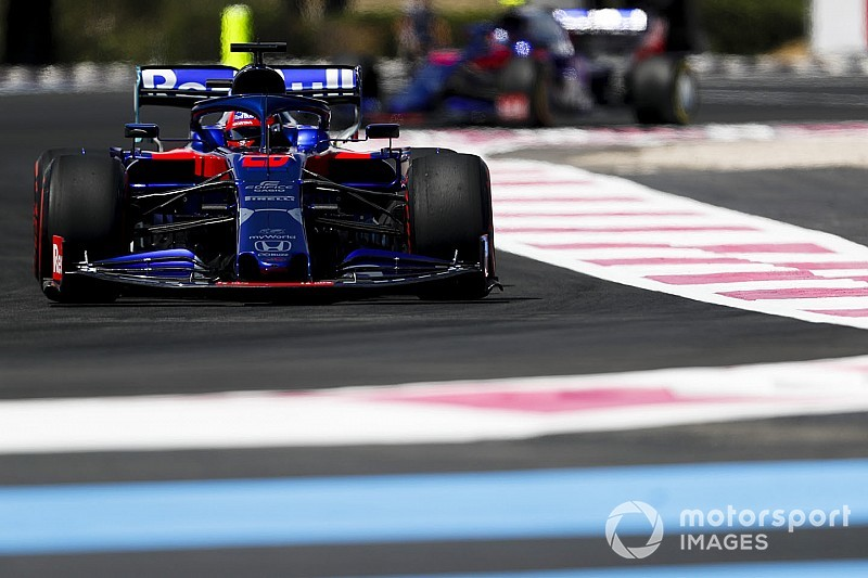 Honda in tactical move to break seals on Kvyat's power unit