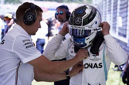 Bottas gumigyilkolása Hamilton világbajnok Mercedesével (videó)