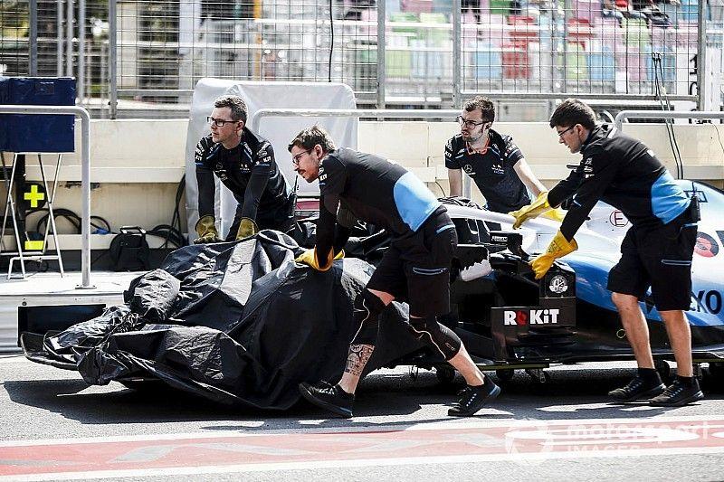 Primeiro treino da F1 em Baku é suspenso por problema com bueiro