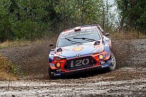 WRC, Rally del Cile, PS7: Neuville torna subito terzo. Meeke contro un albero!