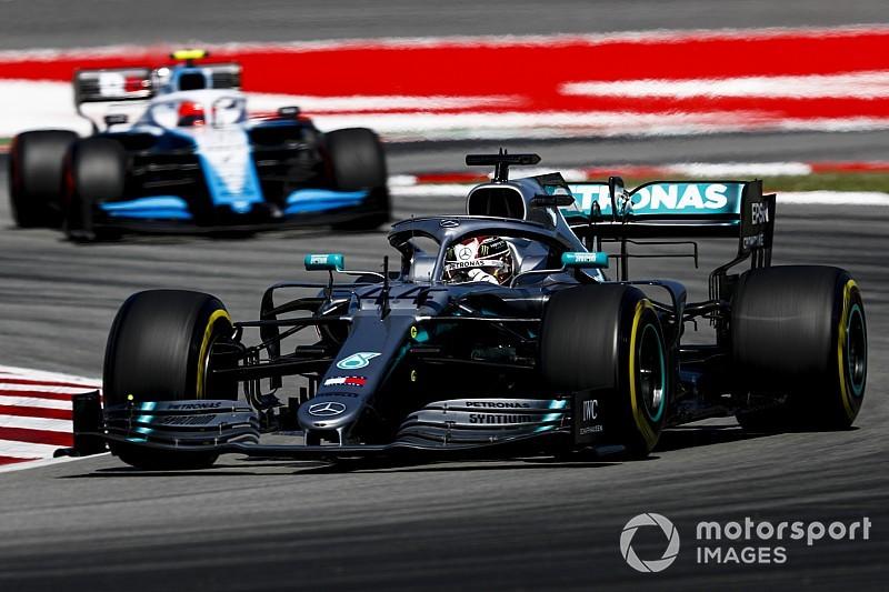 Egészen érdekes trükköket használ a Mercedes, hogy könnyebb legyen az autójuk
