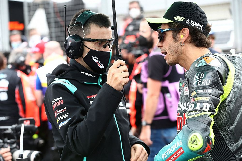 Keputusan Valentino Rossi Bikin Sahabatnya Patah Hati