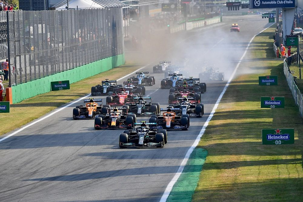 «Мы скатимся в Формулу 2». Команды Ф1 выступили против реверсивного старта