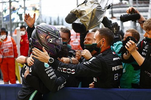 """Mercedes """"adamant"""" to pit after Hamilton ignored first call"""