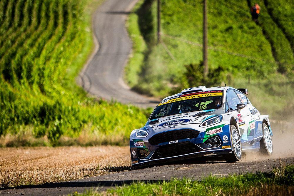 El WRC estrena en España nuevos neumáticos Pirelli