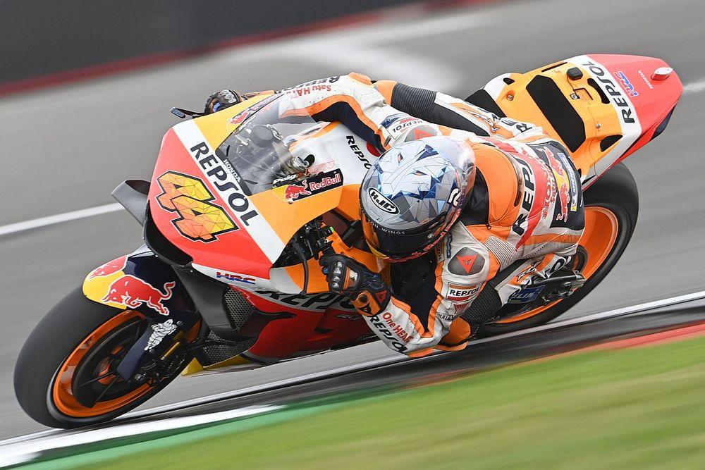 MotoGPイギリスGP予選:ポル・エスパルガロ、ホンダ移籍後初PP! 中上貴晶は15番手