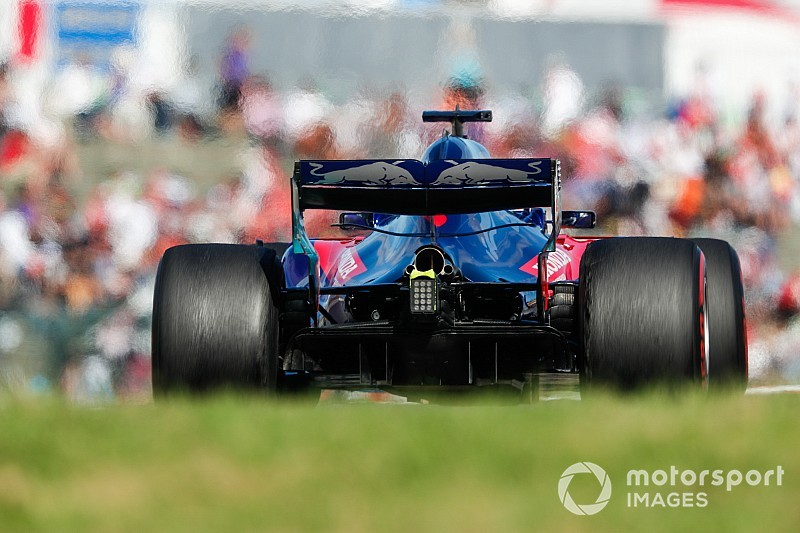 A Red Bull szerződést bonthat Hartley-val