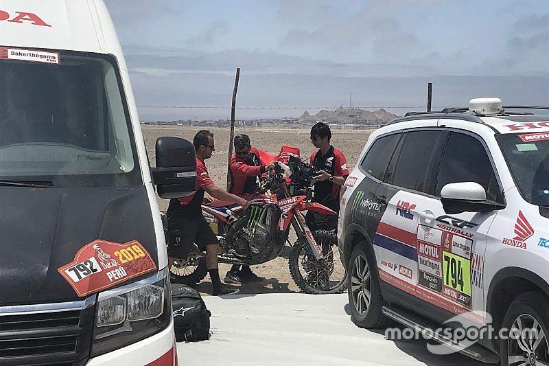 Dakar: recuperata la moto di Barreda con elicottero e 70m di corda
