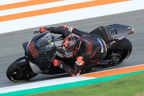 GALERÍA: Lorenzo en Honda y más novedades de la prueba en Valencia