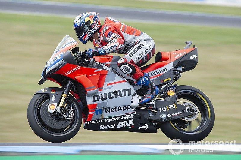 """MotoGP, Sepang, Libere 1: Dovizioso e Rossi al top, Lorenzo prende 3""""5"""