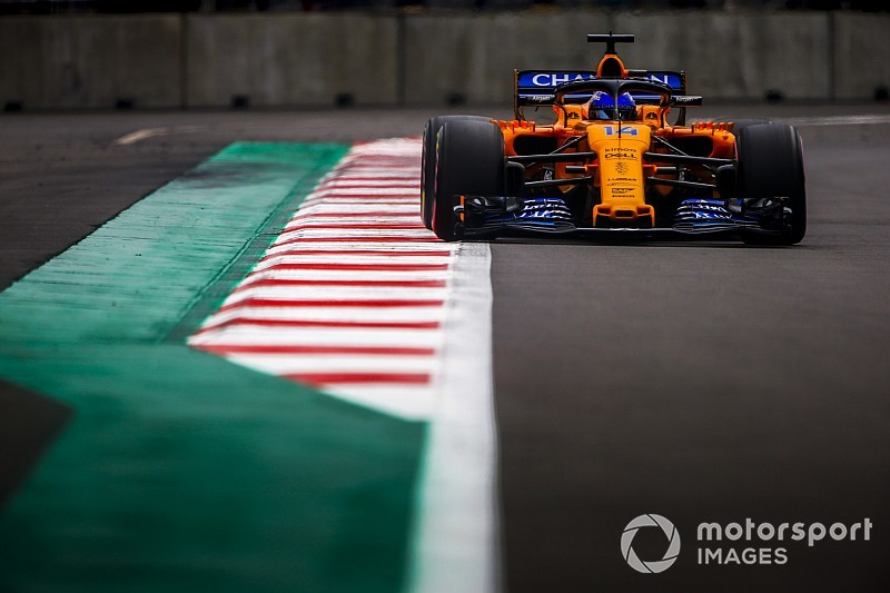 Alonso verkiest strenge beoordeling track limits in Formule 1
