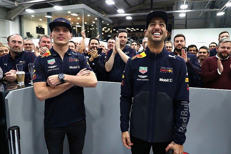 Ricciardo se despidió de Red Bull con una visita a la fábrica
