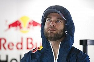 Van Gisbergen surprised by Tander Bathurst signing