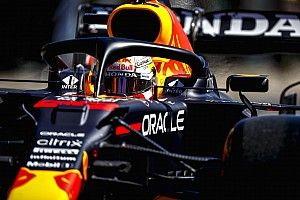 Verstappen houdt Mercedes-duo achter zich in derde training