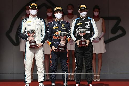 Ticktum praises Carlin as throttle motor failure threatened Monaco F2 podium shot