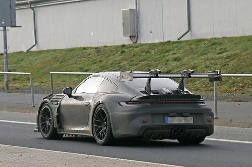 La Porsche 911 GT3 RS et son aileron actif en action