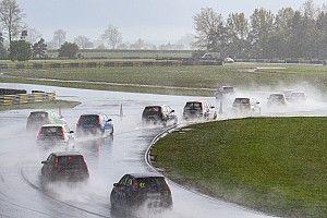 Drivers overcome the elements and British Hillclimb season begins