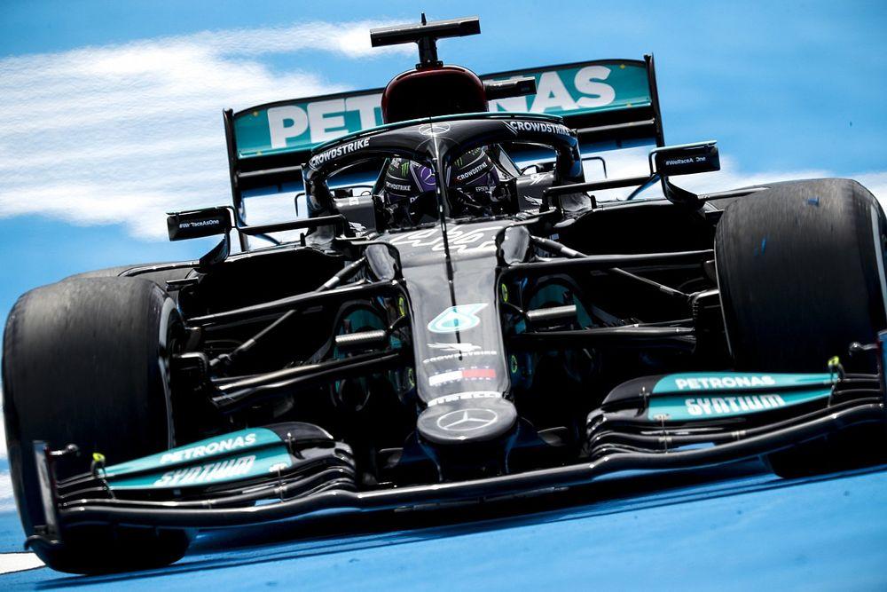 Хэмилтон знал про грядущее обновление Mercedes