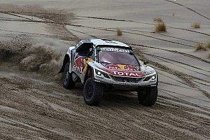 "Loeb is ""ready to win"" Dakar, says Peterhansel"