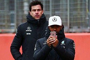 F1-Pilot Lewis Hamilton wünscht sich mehr Freiheiten in den Sozialen Medien