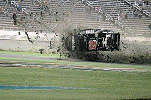 Fotostrecke: Crash von Timothy Peters bei Truck-Rennen