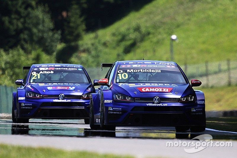 Gianni Morbidelli back on pole after 14 months