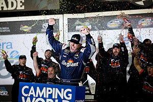 Johnny Sauter takes Truck win in wild Daytona opener
