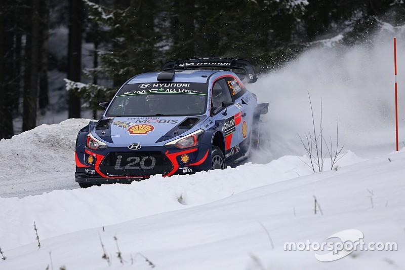 WRC Zweden: Neuville vergroot voorsprong, Meeke valt uit