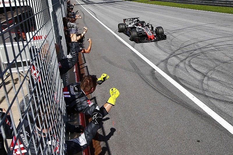 Grosjean keert tij, Magnussen droomt van 'eigen kleine titel'