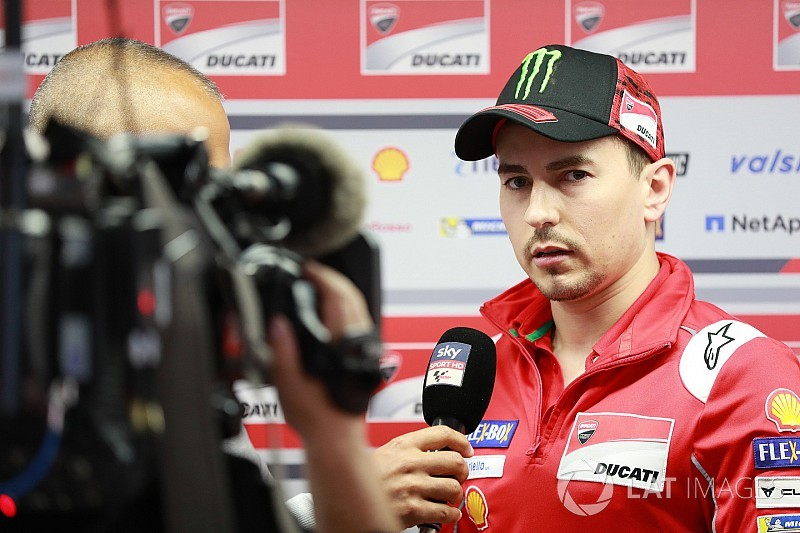 Lorenzo hits back at Ducati boss Domenicali's comments